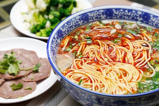 杭州蜀湘情缘小吃培训中心教您兰州牛肉拉面的做法